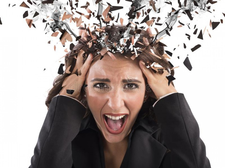 stress-head-smoke-businesswoman-screaming-her-60173976
